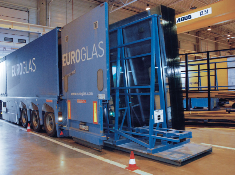 Storage and delivery of the basic glass product